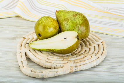 Pear health benefits and therapeutic value