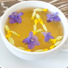 Violet health benefits and therapeutic value