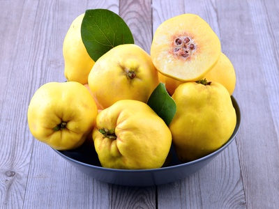 Quince health benefits and therapeutic value