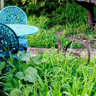 Garden set and iron implement in the garden