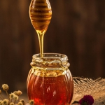 Honey pot perfect for healing in winter.