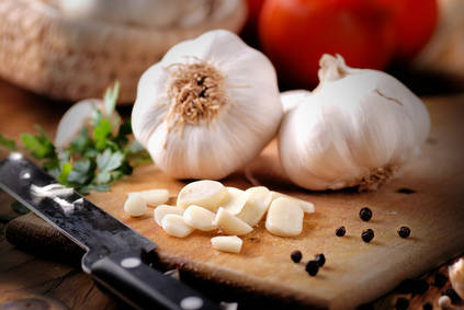 Garlic health benefits and therapeutic value