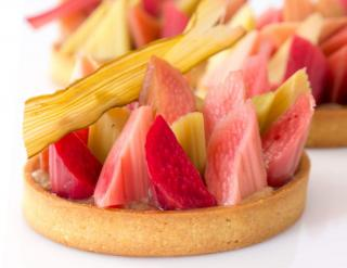Healthy rhubarb tart loaded wih health benefits