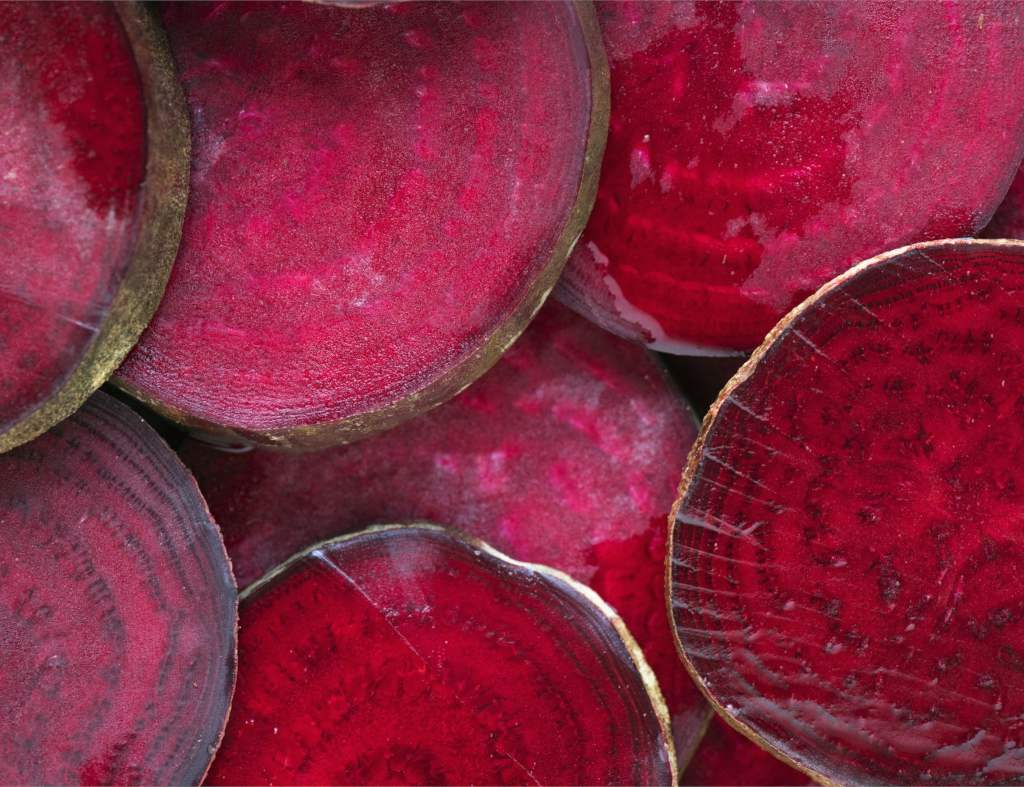 Benefits of red beet, whether sliced as in the image or cooked.