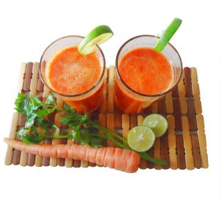 Benefits of carrots consumed juiced, raw or cooked.