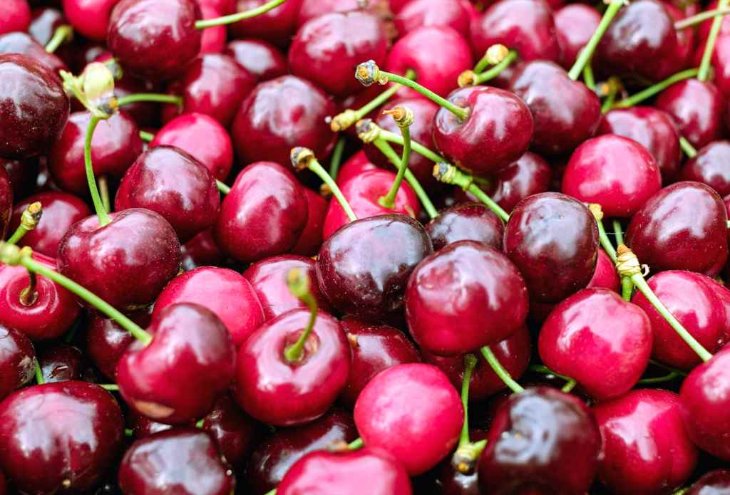 Cherries of the bigarreau variety are darker in color.