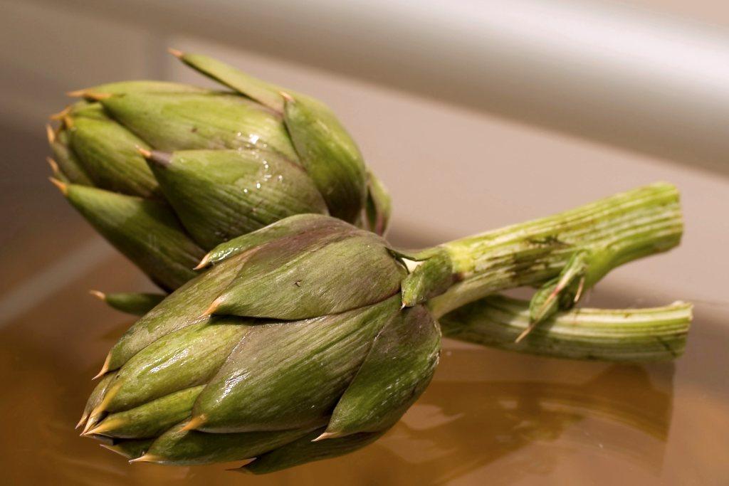 Artichoke recipe needing two artichoke heads.