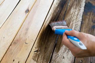Brush with coffee mix to renovate wood